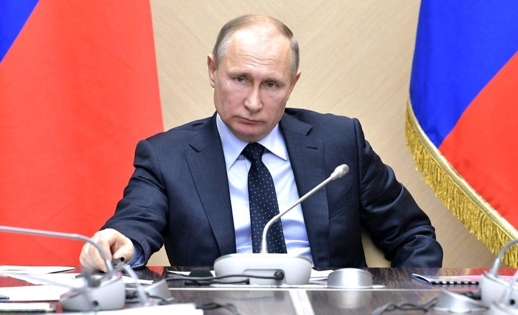Владимир Путин поручил руководству начать подготовку к150-летию Бунина