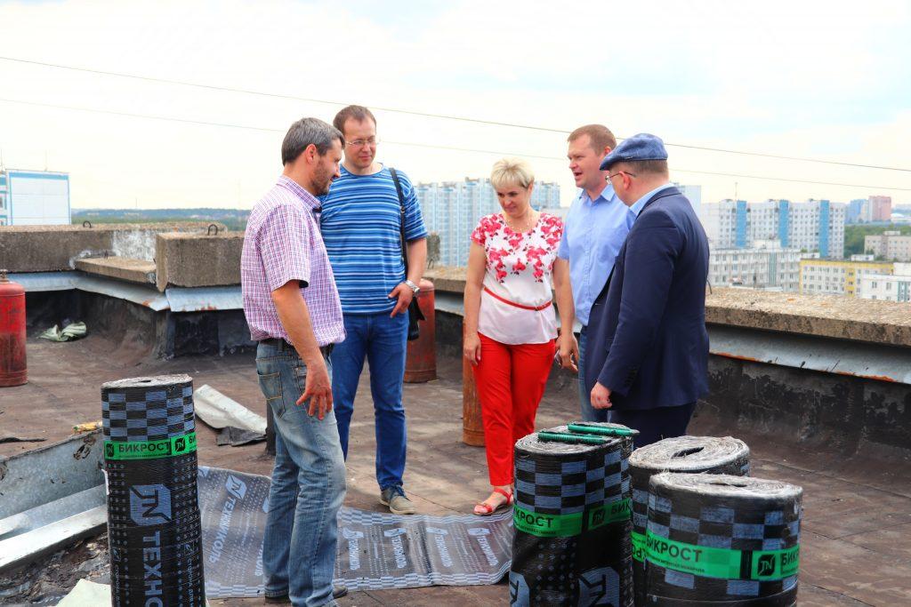 Депутаты Южного округа контролируют капитальный ремонт. Фото предоставлено Денисом Беляевским