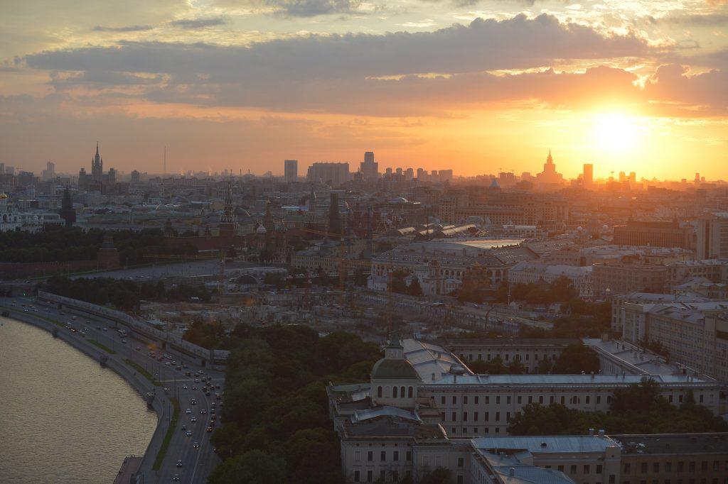 В Москве будет еще жарче и солнечнее