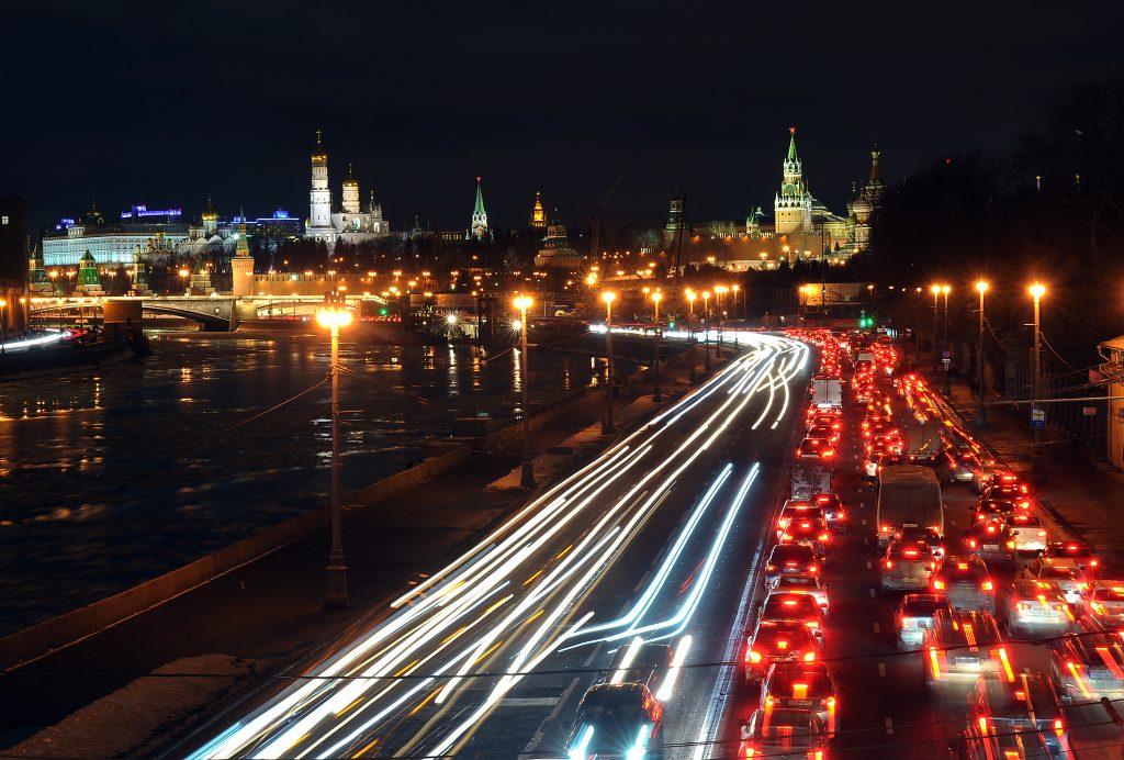 Дачников предупредили о пробках из-за дождя в Москве
