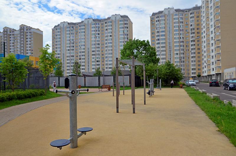 Пять дворов в Нагорном районе отремонтируют на средства от платных парковок