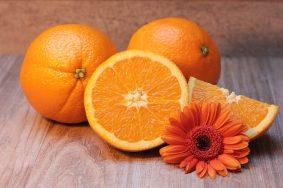 Апельсины позволяют снизить риск развития многих заболеваний зрения. Фото: pixabay.com