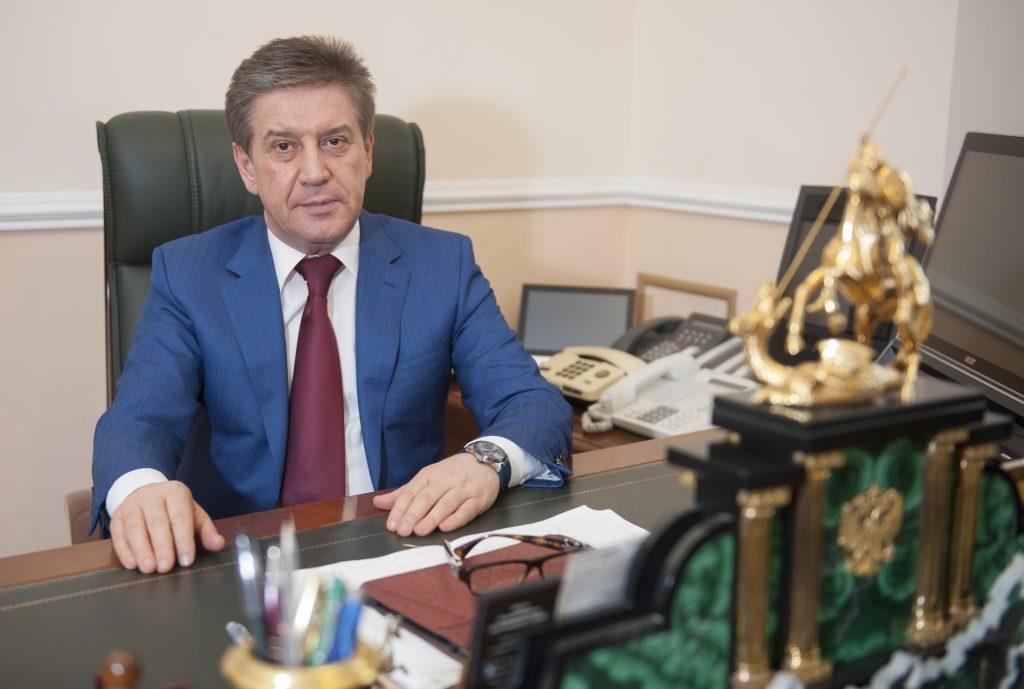 Владимир Петросян: Помощь старшему поколению — главный вектор работы столичного правительства