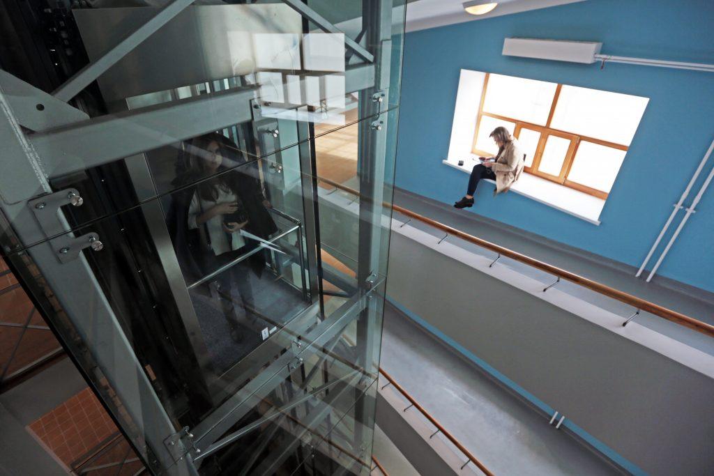 9 сентября 2015 года. Дом-коммуна на улице Орджоникидзе признан шедевром конструктивизма. Фото: Анна Иванцова