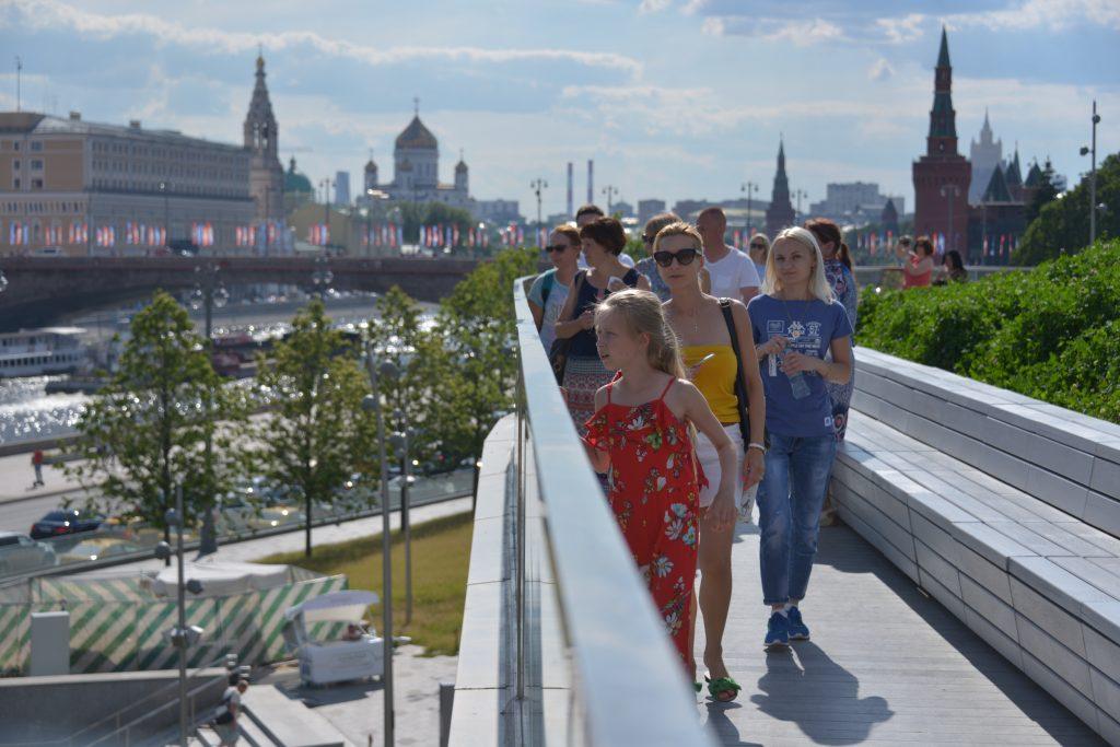 Охрана парка «Зарядье» останется на прежнем уровне. Фото: архив, «Вечерняя Москва»