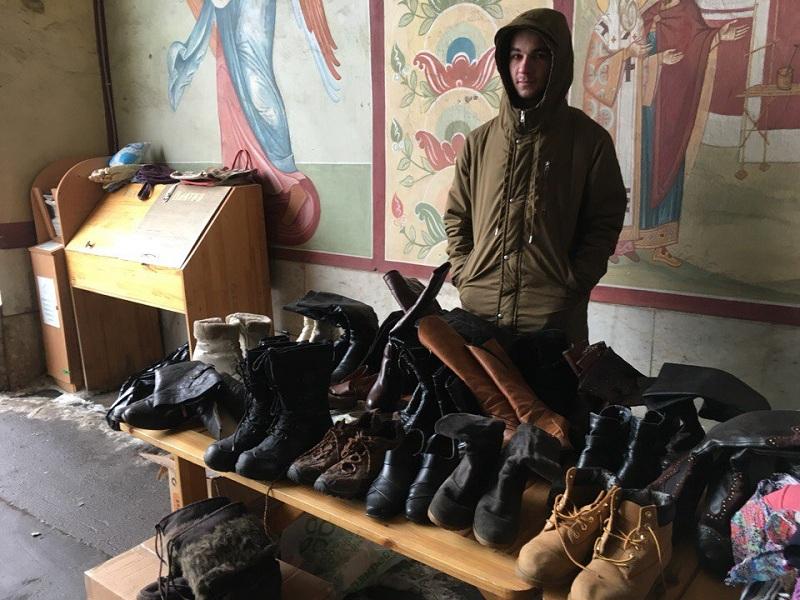 Благотворительную акцию по сбору вещей нуждающимся организовал Донской монастырь