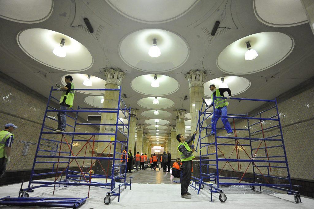Вестибюли трех станций метро закрыли до 27 августа