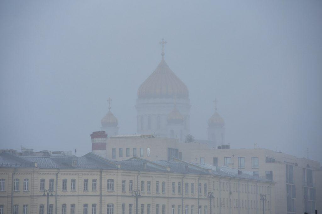 Москвичей предупредили о тумане и опасности пожаров в субботу