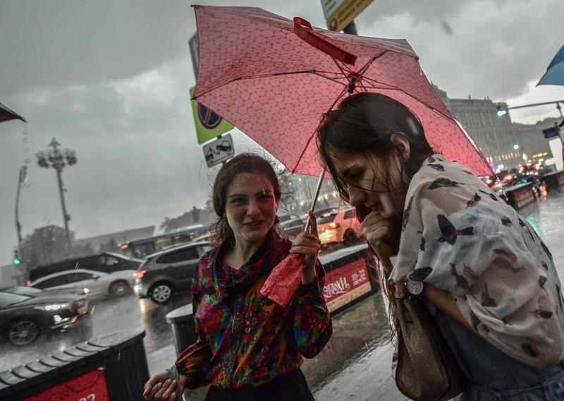 Синоптики напугали жителей Москвы ливнями на неделе