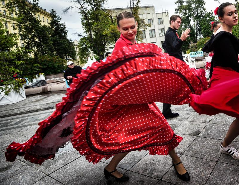 Трехмерные фигуры знаменитых танцовщиков установят в Москве