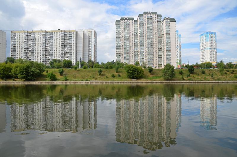 Больше света: благоустройство Чертановского пруда продолжат