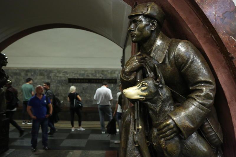 Станция метро «Площадь Революции». Фото: архив, «Вечерняя Москва»