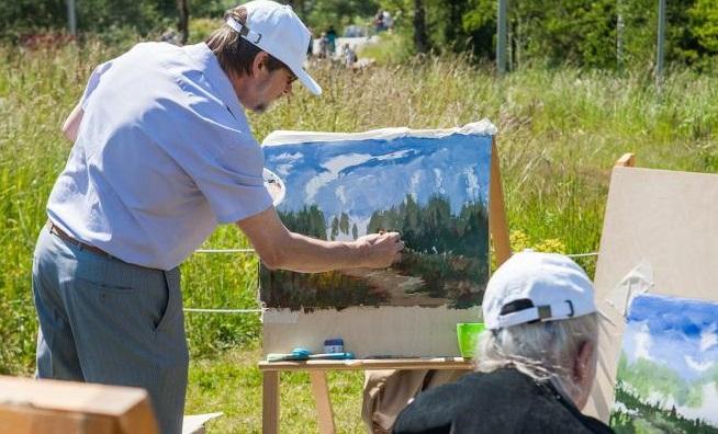 Воссоздавать известные картины москвичей научат в парках