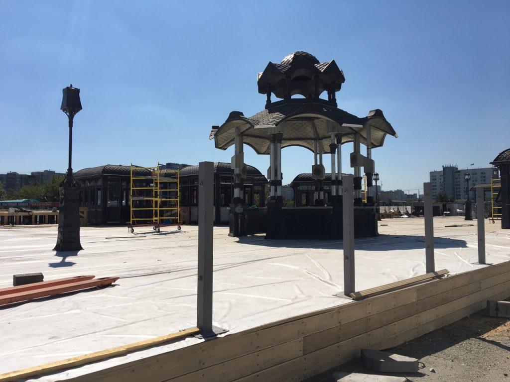 Шесть тематических павильонов установили на фестивальной площадке у «Красногвардейской»