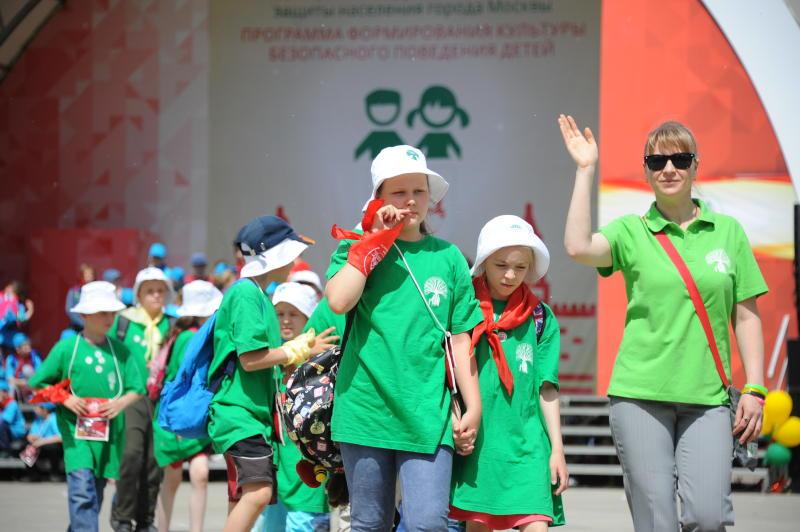 Москва организовала летний отдых для 100 тысяч детей