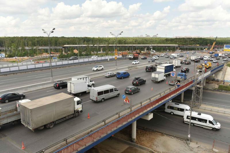 В Москве начали образовываться дачные пробки