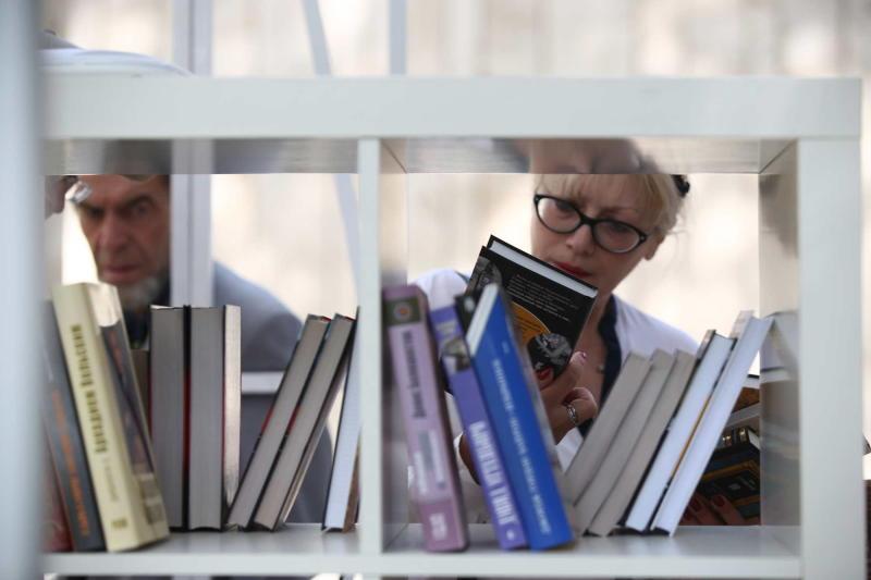 От Толстого до Сэлинджера: что читали летом в Москве