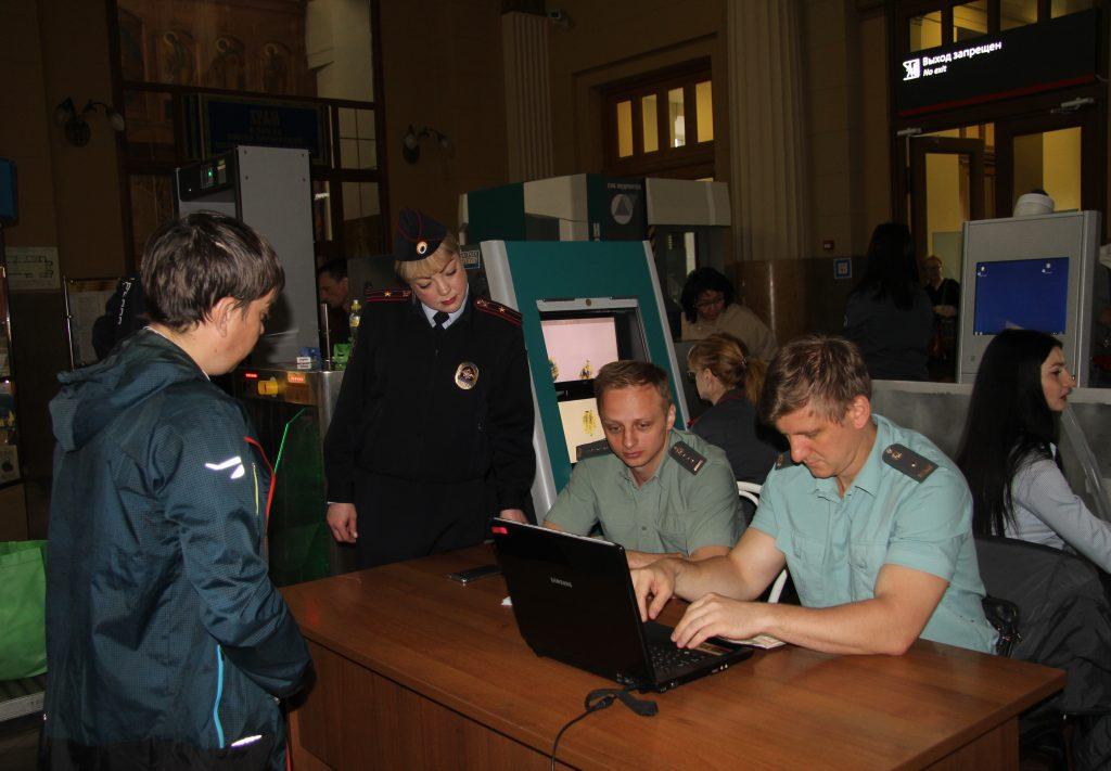 Судебные приставы Москвы приняли участие в оперативно-профилактическом мероприятии «Должник»