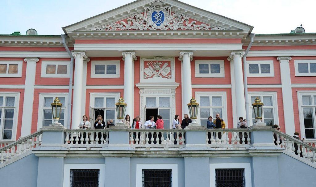 Жители Москвы смогут бесплатно посетить музеи в День города