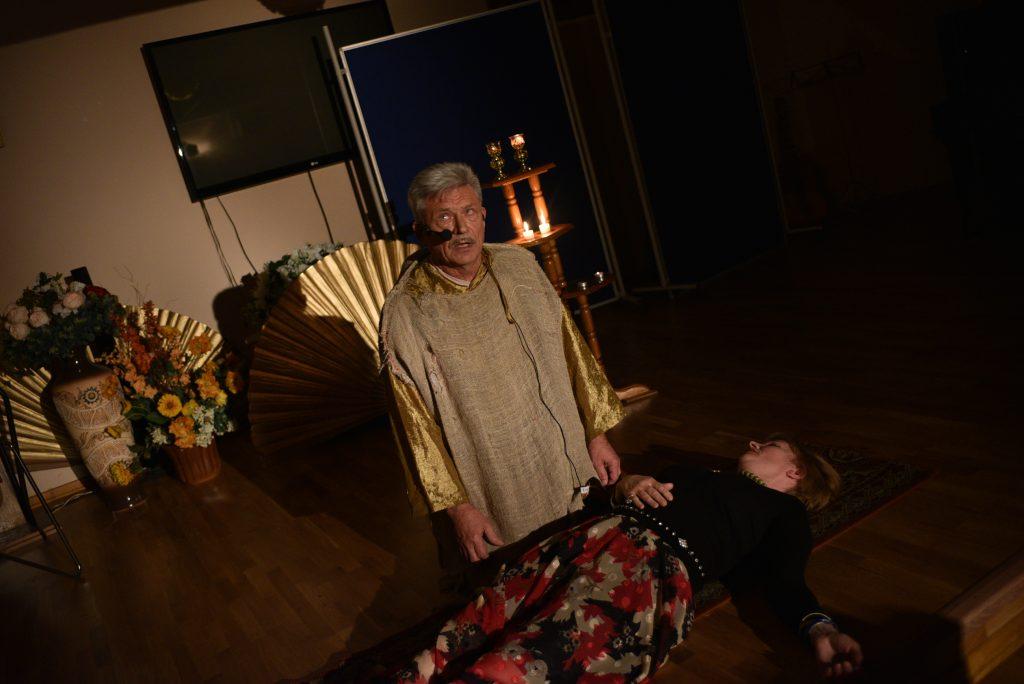 Пенсионер поставил мюзикл «Нотр-Дам де Пари»