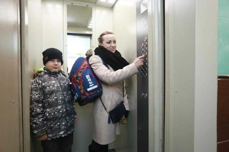 Более 10 тысяч лифтов заменили в многоквартирных домах Москвы