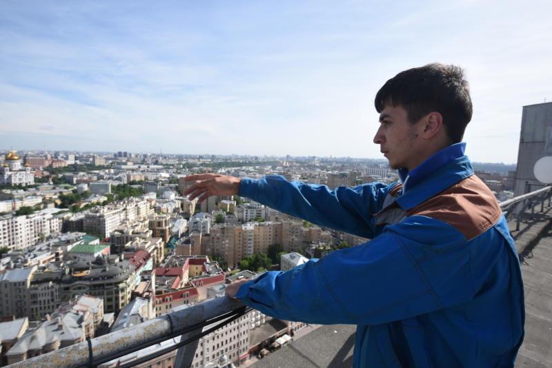 Три тысячи крыш отремонтировали в Москве