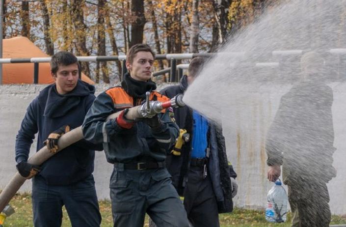 Добровольцы-спасатели совершенствуют свое мастерство