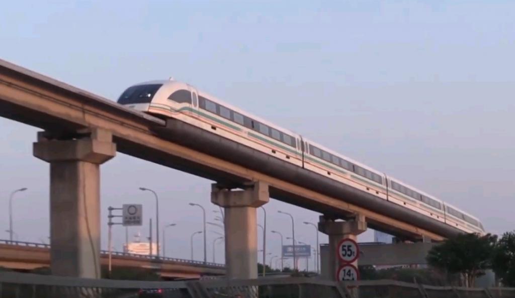 Поезд будущего: магнитолевитационный транспорт может появиться на ТПУ «Царицыно». Фото: скриншот видео с канала Наталии Родионовой, YouTube