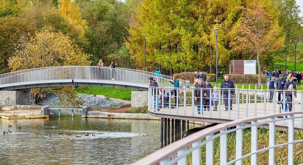 Плавающие фонтаны с подсветкой украсят парк в пойме реки Битцы