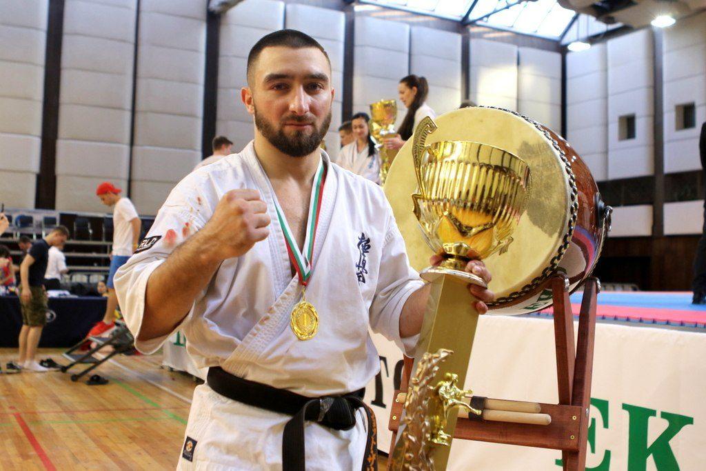 Урок со звездой: чемпион России и Европы проведет мастер-класс по карате для детей