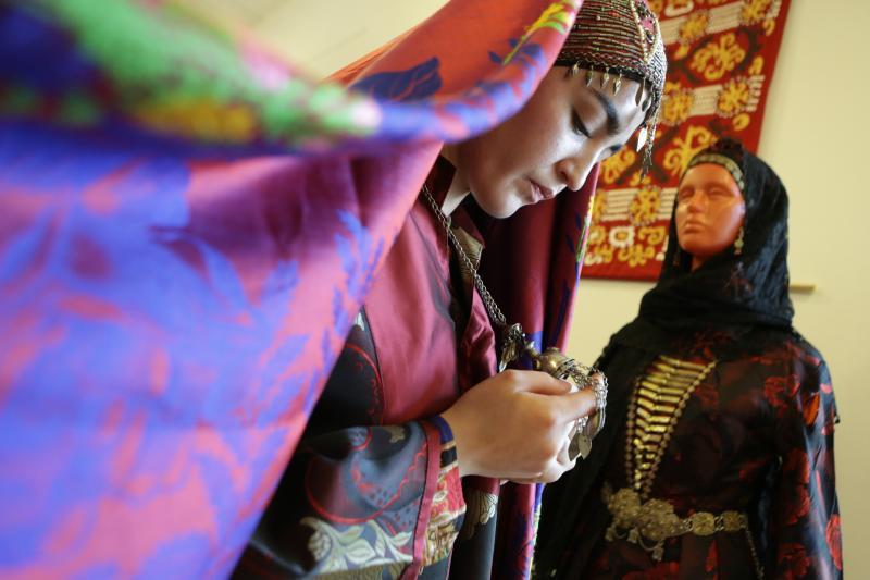 Эвенки и хакасы: фестиваль народов России пройдет в школе №2016