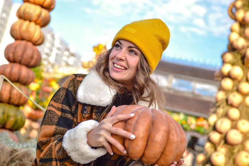 Фестиваль «Золотая осень» продлили на Ореховом бульваре до 31 октября. Фото: Пелагия Замятина, «Вечерняя Москва»