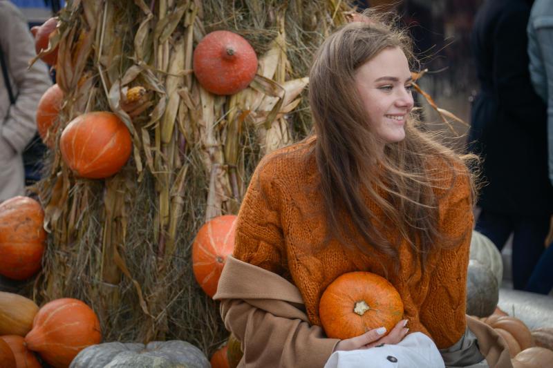 Осенняя пора: конкурс тематических селфи стартовал в Доме культуры «Маяк»