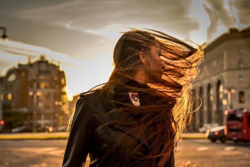 Атмосферный фронт вызывает изменения погоды, в том числе сильный ветер. Фото: Пелагия Замятина, «Вечерняя Москва»