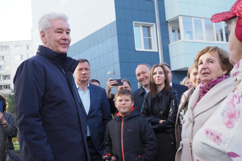 Собянин осмотрел заселяемый в рамках реновации дом в Нагатинском Затоне