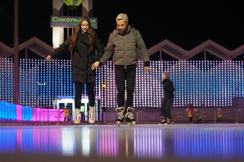 Московские парки пригласили на открытие зимнего сезона