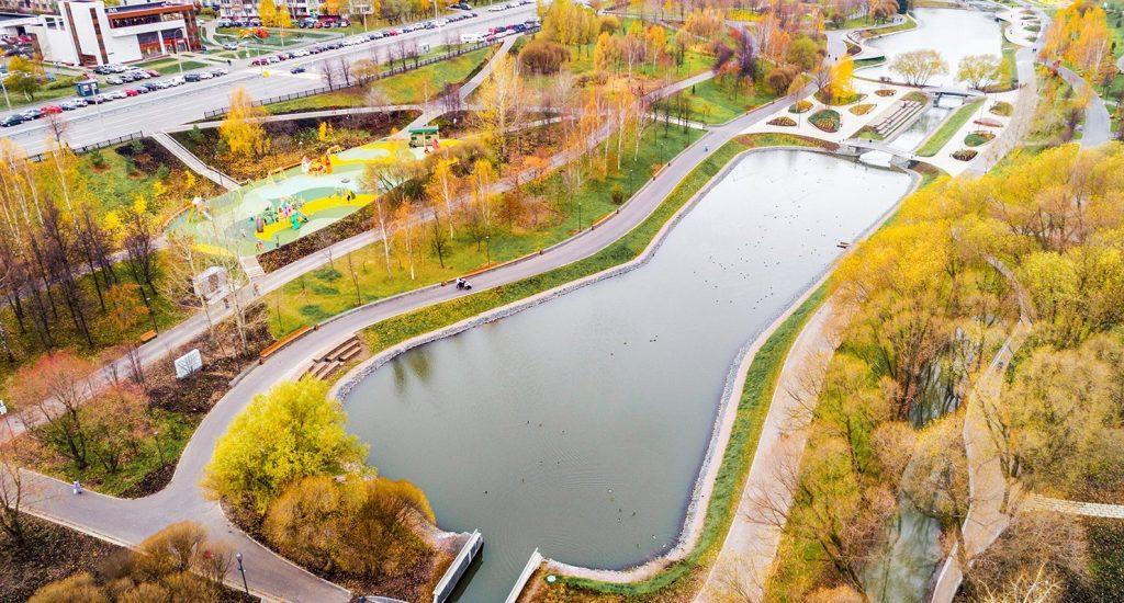 В Москве открыли парк в пойме реки Битцы после благоустройства