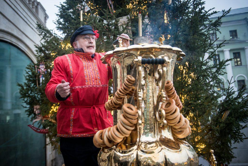 Москва проведет первую за 300 лет Рождественскую ярмарку в «Аптекарском огороде»