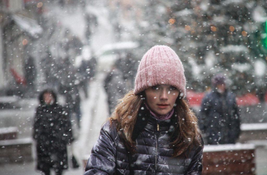 Врач предупредил москвичей об облысении в зимний период
