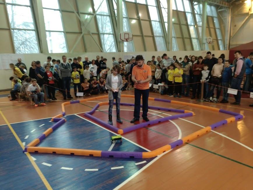 Команда школы №1579 победила в соревнованиях Всероссийской лиги робототехники