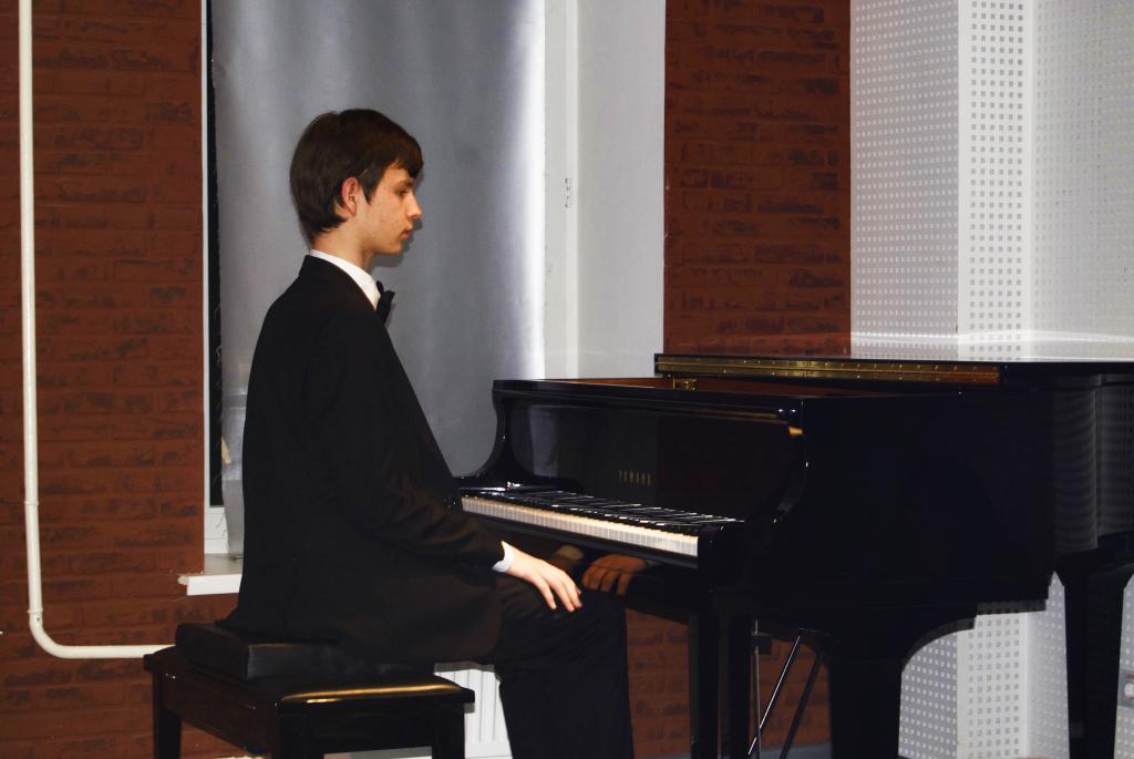 Виталий Петров за роялем. Фото: Никита Нестеров