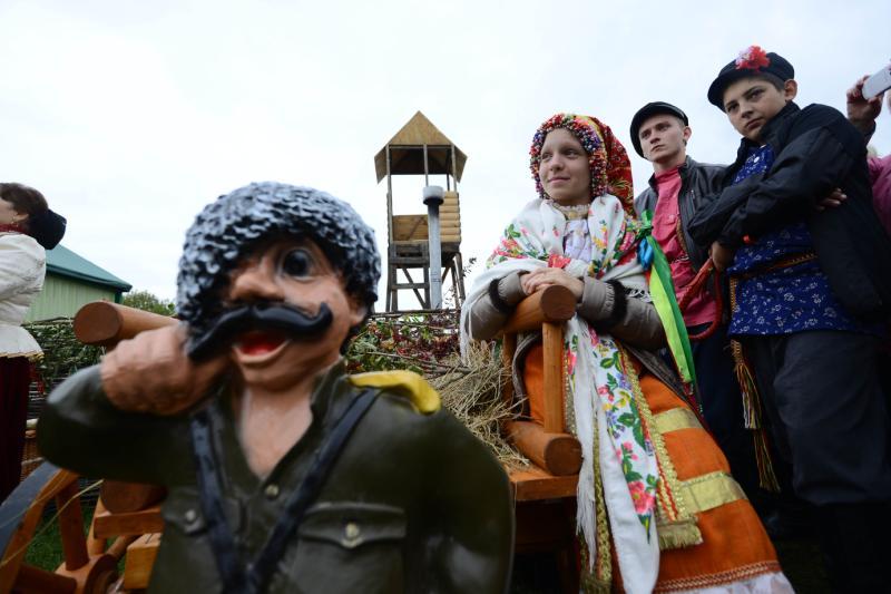 Казачий праздник: забеги с коромыслом устроят на Ореховом бульваре
