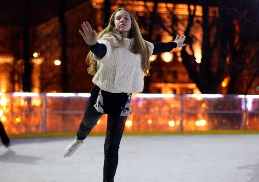 Танцы на льду организуют в Нагатинском Затоне. Фото: сайт мэра Москвы