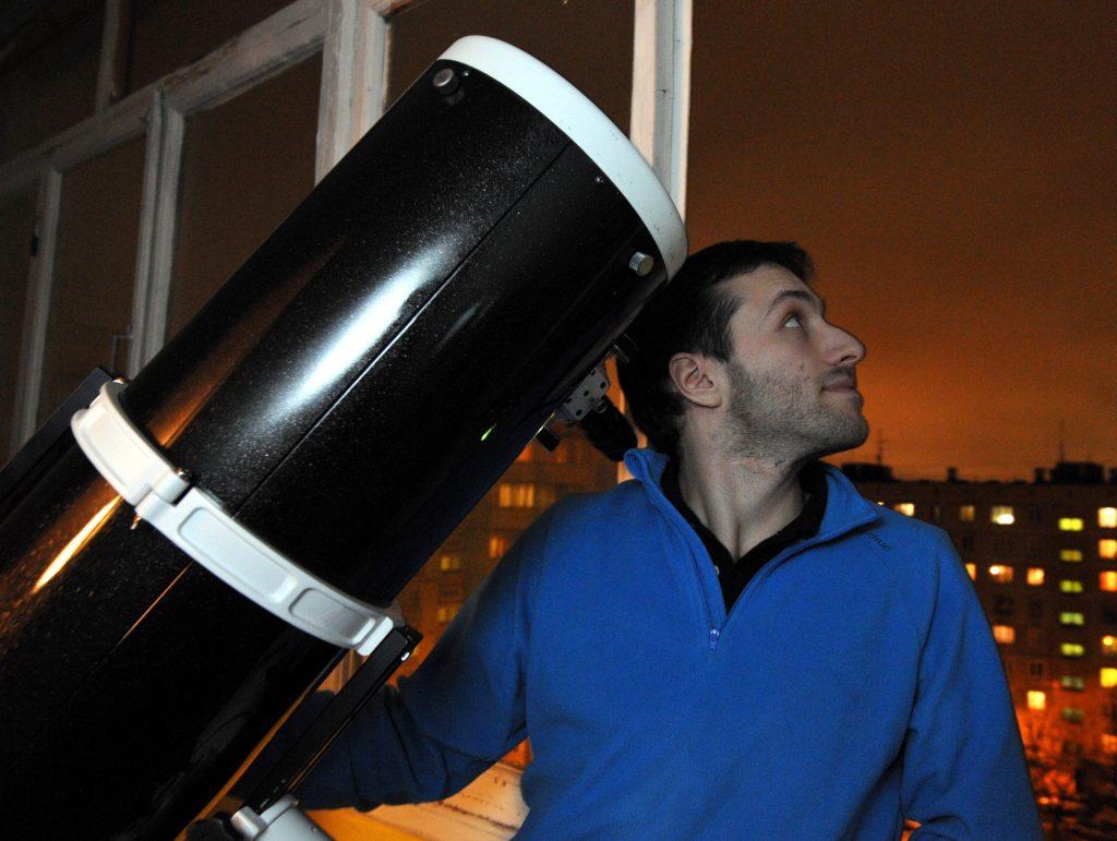 Любителям астрономии посоветовали приготовить телескопы. Фото: Антон Гердо
