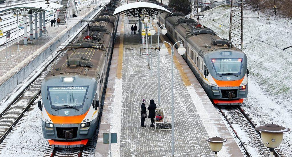 Пригородные поезда перейдут на новогоднее расписание