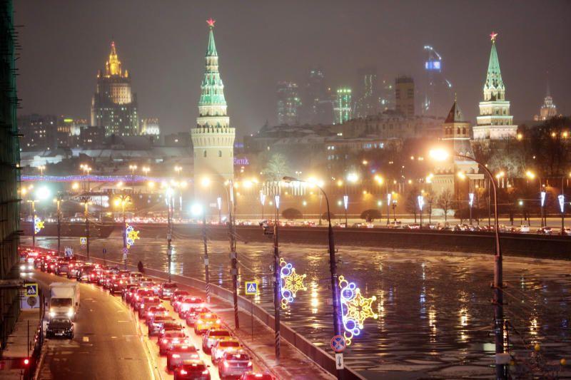 Приборы уличного освещения обновят в Москве