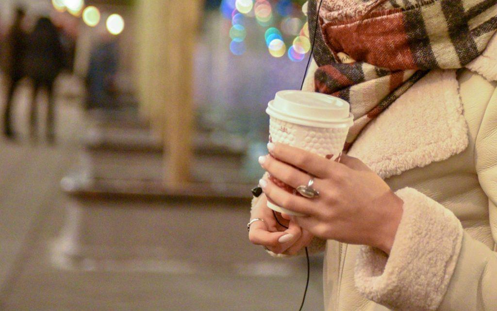 Москва может увеличить штраф за распитие кофе в метро