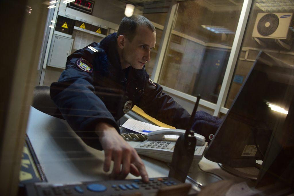 Москва будет усиленно охранять общественный транспорт на праздниках
