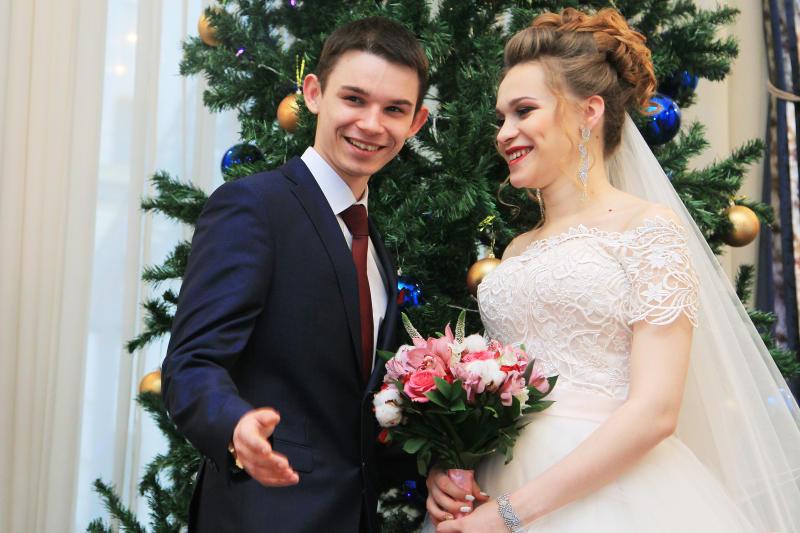 Пятьдесят влюбленных пар произнесут клятвы верности 31 декабря