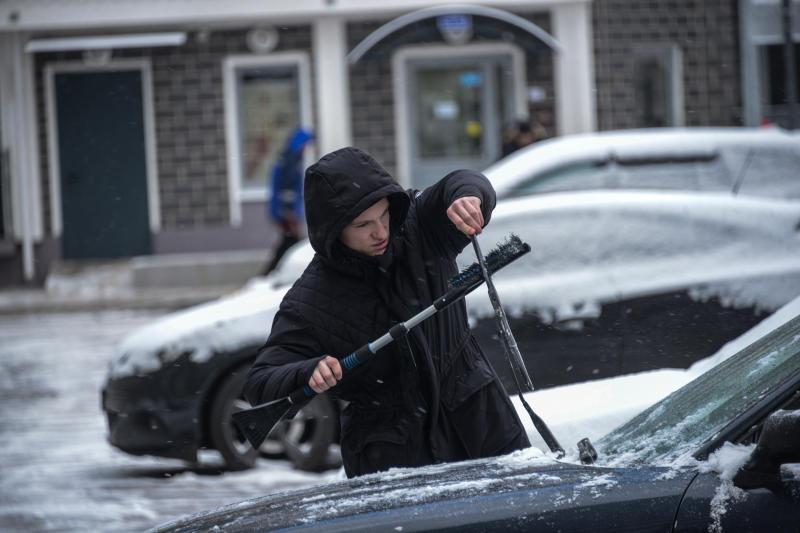 Москвичей попросили отказаться от автомобилей 13 декабря